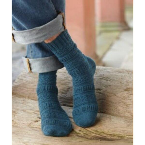 Magába mintás férfi zokni Regia 4 szálas fonalból kötve letölthető fájl